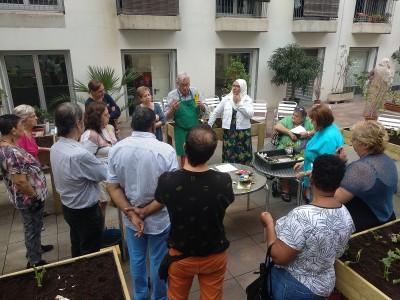 Es posa en marxa l'hort comunitari de la Comissió de Salut Comunitària del Raval