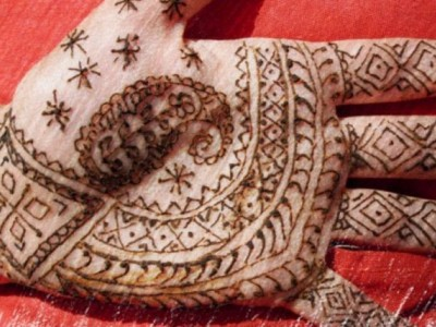 Taller de descoberta. Dibuixos amb Henna